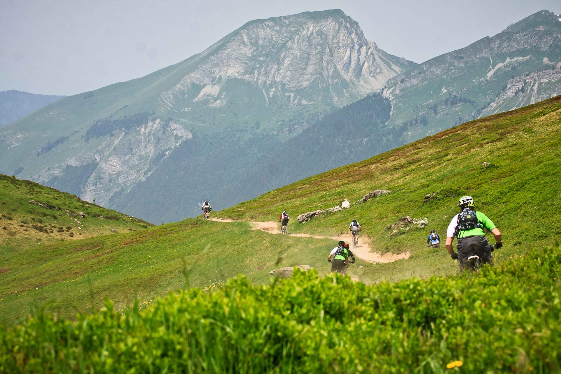 Ride Morzine guests downhill, cross country, enduro, trail and road bikers